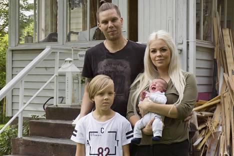 Jannen ja Miisan perheeseen kuuluvat Alex- ja Jaxon-nimiset pojat.