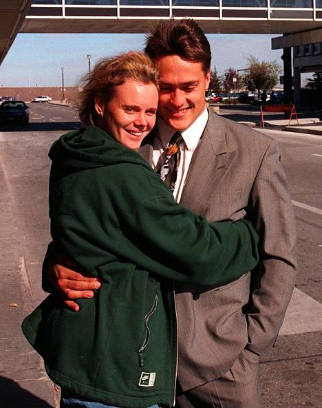 Pariskunta hehkui rakkauden onnea jo vuonna 1995.