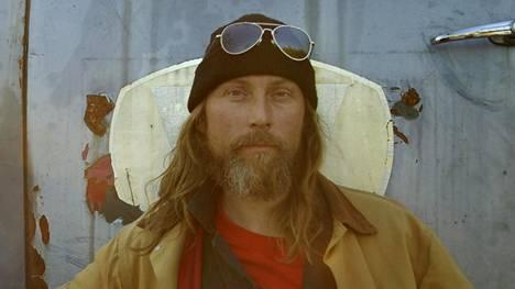 Tolonen tunnetaan parhaiten Alaska Highway -dokumenttielokuvasta.