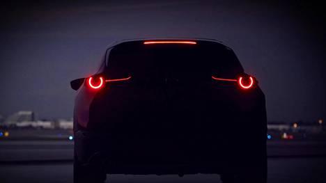 Nykytyyliin autonvalmistajat pudottelevat kuvia uutuuksistaan tipoittain ja vain hieman vihjeitä antaen. No, tässä on uusi Mazda-malli, joka julkistetaan ensi kuussa.