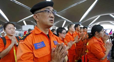 Rukoustilaisuuteen osallistui myös pelastustyöntekijöitä.