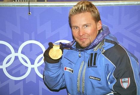 »Se oli päivä, jona minun piti voittaa. Mutta voiton jälkeen en tuntenut kuin pohjatonta väsymystä ja helpotusta», kuvaa Janne Lahtela olympiavoittoaan.