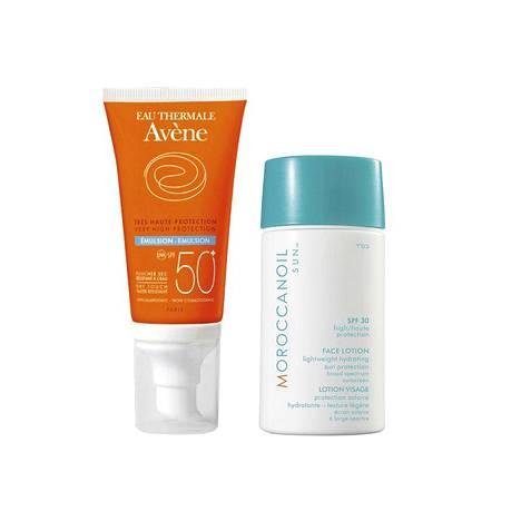 Eau Thermale Avènen Very High Protection Anti-Aging SPF 50+ -voide on suunniteltu atooppiselle iholle, 22 € / 50 ml. MoroccanOilin Body Face SPF 30 -voiteessa on mukana tehokosteuttavaa arganöljyä, 42 € / 50 ml.