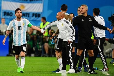 Kapteeni Lionel Messin ja Jorge Sampaolin suhteesta riitti puhetta MM-kisojen aikana.