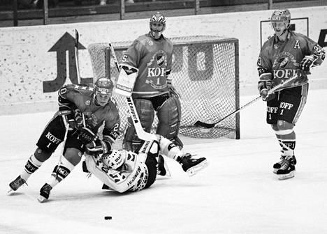 Matti Hagmanin viimeiseksi kaudeksi SM-liigassa jäi 1991–1992. Hän teki HIFK:lle 42 runkosarjan ottelussa vielä 8+20=tehopistettä.