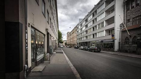 Hammaslääkäri surmattiin Helsingin Lönnrotinkadulla sijaitsevassa yksityisasunnossa.