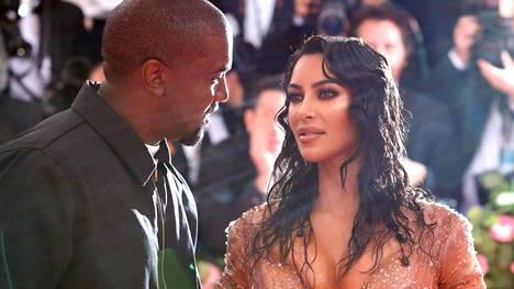 Kanye West ja Kim Kardashian ehtivät olla yhdessä yhdeksän vuotta.