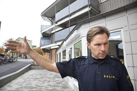 Yhteisöpoliisi Jonas Junered uskoo Märstan tilanteen olevan paranemassa viranomaisten yhteistyön avulla.