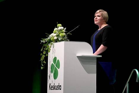 Annika Saarikko on keskustan uusi puheenjohtaja.