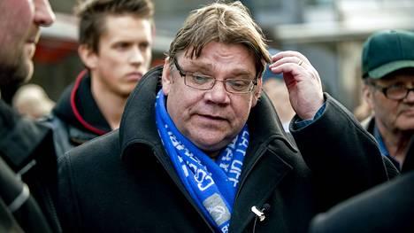 """""""Suomen Nigel Faragen"""" kerrotaan myös kannattavan brittiläistä Millwall-jalkapallojoukkuetta."""