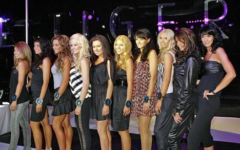 Miss Helsinki -finalistit vuosimallia 2009. Viivi Pumpanen kuvassa ensimmäinen vasemmalta.