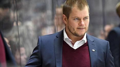 Ari-Pekka Pajuluoma valmentaa Vaasan Sportia.