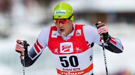 Itävaltalaishiihtäjä Max Hauke sai 500 euron korvaukset.