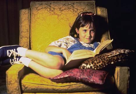 Elokuva kertoo suloisesta ja älykkäästä Matildasta (Mara Wilson), jonka perhe ei välitä hänestä.