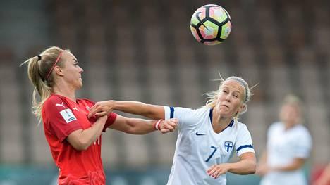 Adelina Engman (oik.) on tehnyt Helmareille seitsemän maalia.
