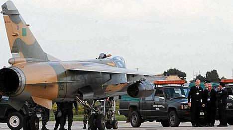 Al-Jazeeran mukaan kaksi Mirage-hävittäjää ilmaantui yllättäen Maltaan illansuussa.