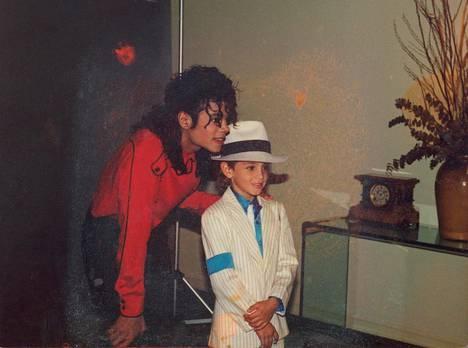 Michael Jackson ja Wade Robson Leaving Neverland -dokumentissa.