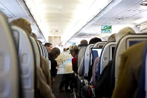"""""""Lentokone ei itse asiassa ole kovin riskialtis paikka hengitystieviruksen leviämiselle."""""""