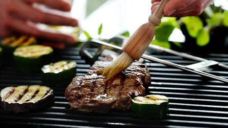 Tulosten perusteella sairastumisriski näkyi varsinkin osallistujilla, jotka söivät punaista lihaa tai prosessoituja lihavalmisteita keskimäärin 75 grammaa päivässä.