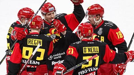 KHL ei ole antanut virallista päätöstään sarjan jatkumisesta koronavirustilanteesta huolimatta. Jokerit vetäytyi sarjasta.