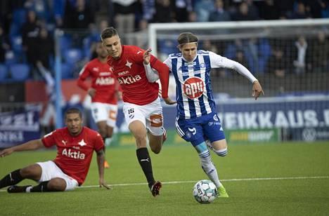 HIFK sijoittui päättyneellä kaudella Veikkausliigassa sijalle kahdeksan. Kuva paikallisottelusta HJK:ta vastaan syyskuussa 2020.