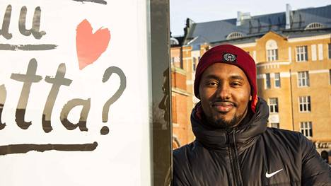Suldaan Said Ahmed kertoo liikuttuneensa joululahjoja saaneiden ihmisten reaktioista.