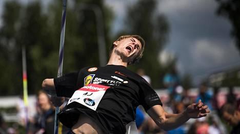 Oliver Helander on noussut Suomen keihäskomeetaksi tällä kaudella.