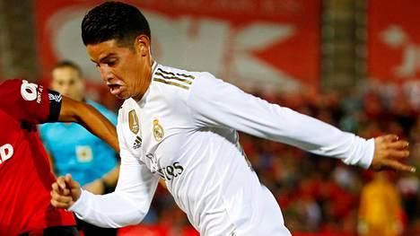 James Rodriguez Real Madridin paidassa viime lokakuussa.