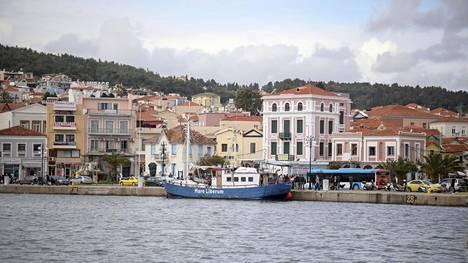 Lesboksen saari Kreikassa joutui tarkkailtavien alueiden listalle lisääntyneiden koronatartuntojen takia.