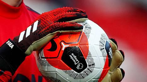 Jalkapallon Englannin Valioliigassa on todettu uusi koronatapaus. Kuvituskuva.
