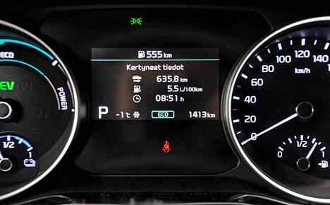 Kuljettajan ajotavoilla on suuri vaikutus kulutukseen, samoin kuin latausahkeruudella. Kulutushistorian seurannan apuna toimii laajatoiminen ajotietokone.