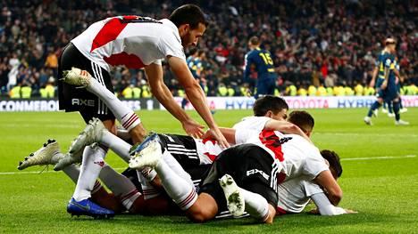 River Plate kaatoi Boca Juniorsin tulikuumassa finaalissa – dramaattinen ratkaisu jatkoajalla