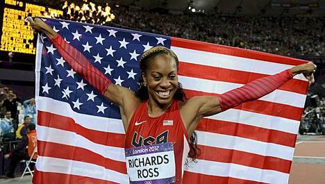 Sanya Richards-Ross hymyili olympiavoittajana.
