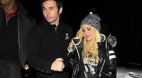 Christina Aguilera ei jaksanut tällä kertaa panostaa näyttäviin vaatteisiin.