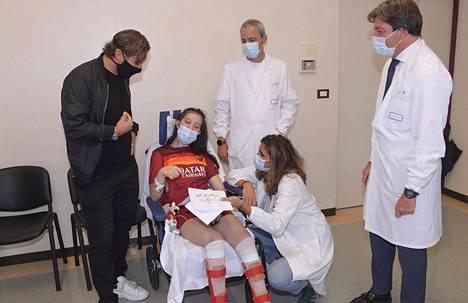 Francesco Totti (vas.) iloitsi Ilenia Matillin tapaamisesta ja toivotti hänelle voimia toipumiseen vakavasta auto-onnettomuudesta.