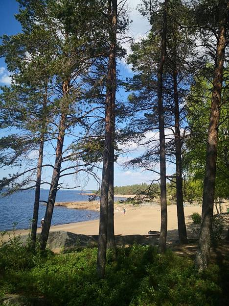Fäbodassa on kolme erilaista rantaa.