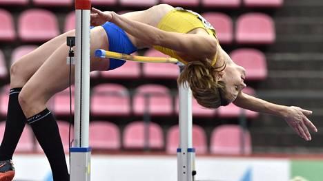 Ruotsin Sofie Skoog naisten korkeuskisassa Ratinassa.