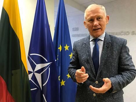 Liettuan asevoimien entinen komentaja, kansanedustaja Arvydas Pocius sanoo Putinin tietävän, että jos Lukashenka hallintoineen kaatuu, seuraavana on vuorossa Venäjä.