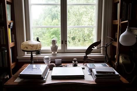 Tänä vuonna tuli kuluneeksi 100 vuotta kirjailija Eeva Joenpellon syntymästä. Joenpelto testamenttasi kotitalonsa kirjailijakodiksi, jossa järjestetään heinäkuun loppupuolella yleisökierroksia.