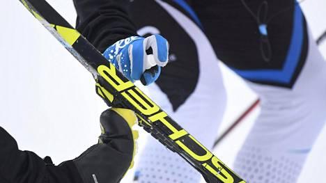 FIS toteuttaa hiihtourheilun fluorittomuuden vaiheittain. Kuvituskuva.