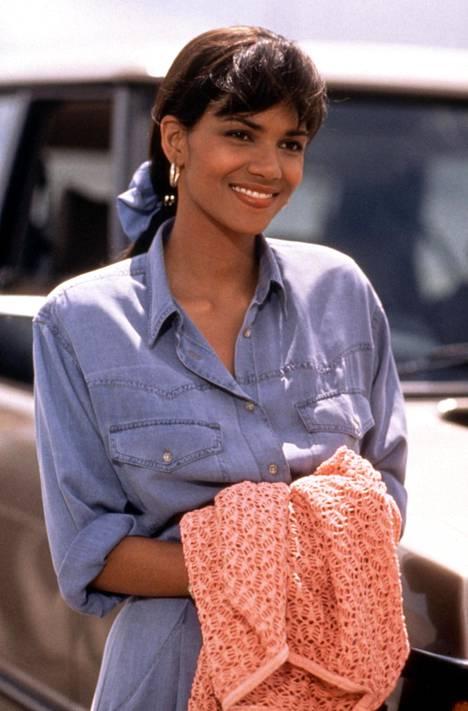 Näyttelijätär vuonna 1993 julkaistussa Konnafaija vapaalla -elokuvassa.
