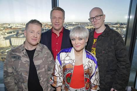 TVOF-tuomarit Redrama, Olli Lindholm, Anna Puu ja Toni Virtanen.