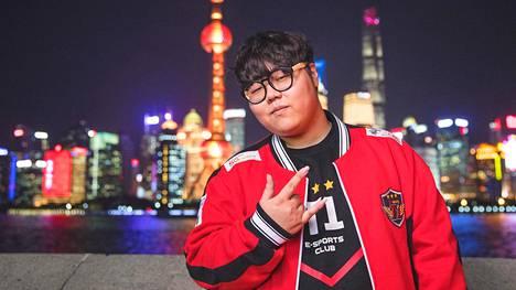 """Lee """"Wolf"""" Jae-Wan pelasi SK Telecom T1 -joukkueessa vuodet 2014–18. Kuva on otettu vuoden 2017 MM-kisojen aikana."""