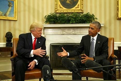 Trump ja Obama keskustelivat siirtymäkauden asioista Valkoisessa talossa Trumpin voitettua vaalit marraskuussa 2016.