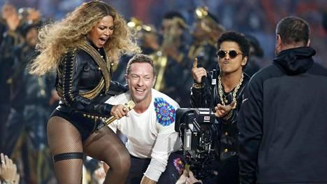 Beyonce, Coldplayn Chris Martin ja Bruno Mars esiintyvät.