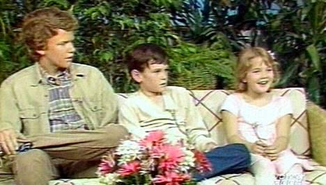 Robert MacNaughton, Henry Thomas ja Drew Barrymore Good Morning American haastattelussa vuonna 1982.