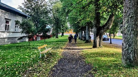 Kristiinankaupungin keskustaa. Lottoporukan vetäjä löytyi Kristiinankaupungin ympäryskunnasta.