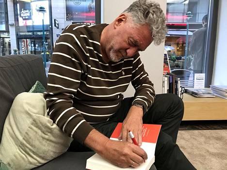 Artemi Troitski oli Helsingissä markkinoimassa uutta kirjaansa Vastarintaa Venäjällä.