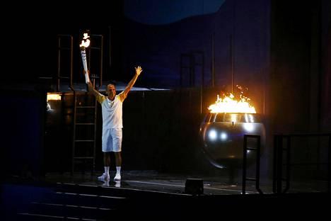 Vanderlei de Lima sytytti olympiatulen Riossa.