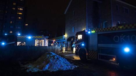 Oulun Tuirassa syttyi tulipalo liikehuoneiston portaikossa.
